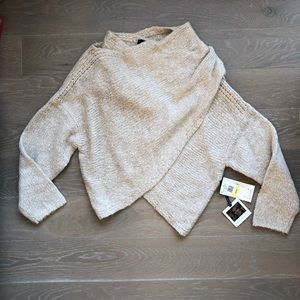 NWT Jessica Simpson CrossOver Cropped Knit Sweater